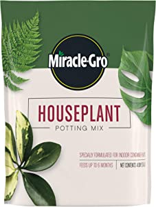 Miracle-Gro Houseplant Potting Mix: Fertilized, Perlite Soil for Indoor Gardening, Designed to Be Less Prone to Gnats, 4 qt.