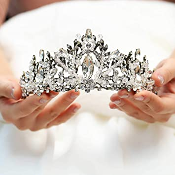 9d72965be6e14 Amazon.com : Yean Vintage Wedding Crowns and Tiaras Rhinestones Gold Bridal  Crown Headband Hair Accessories for Bride and Bridesmaid : Beauty