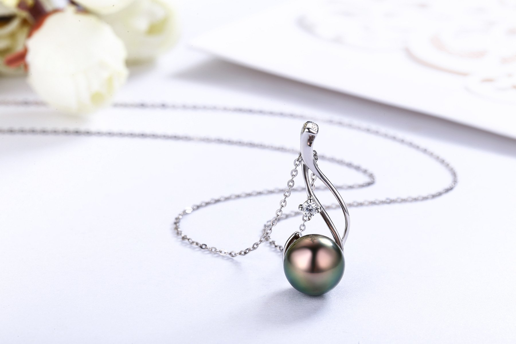 CHAULRI Authentic South Sea Tahitian Black Pearl Pendant Necklace 9-10mm Round 18K Gold Plated 925 Sterling Silver – Jewelry Gifts for Women Wife Mom Daughter
