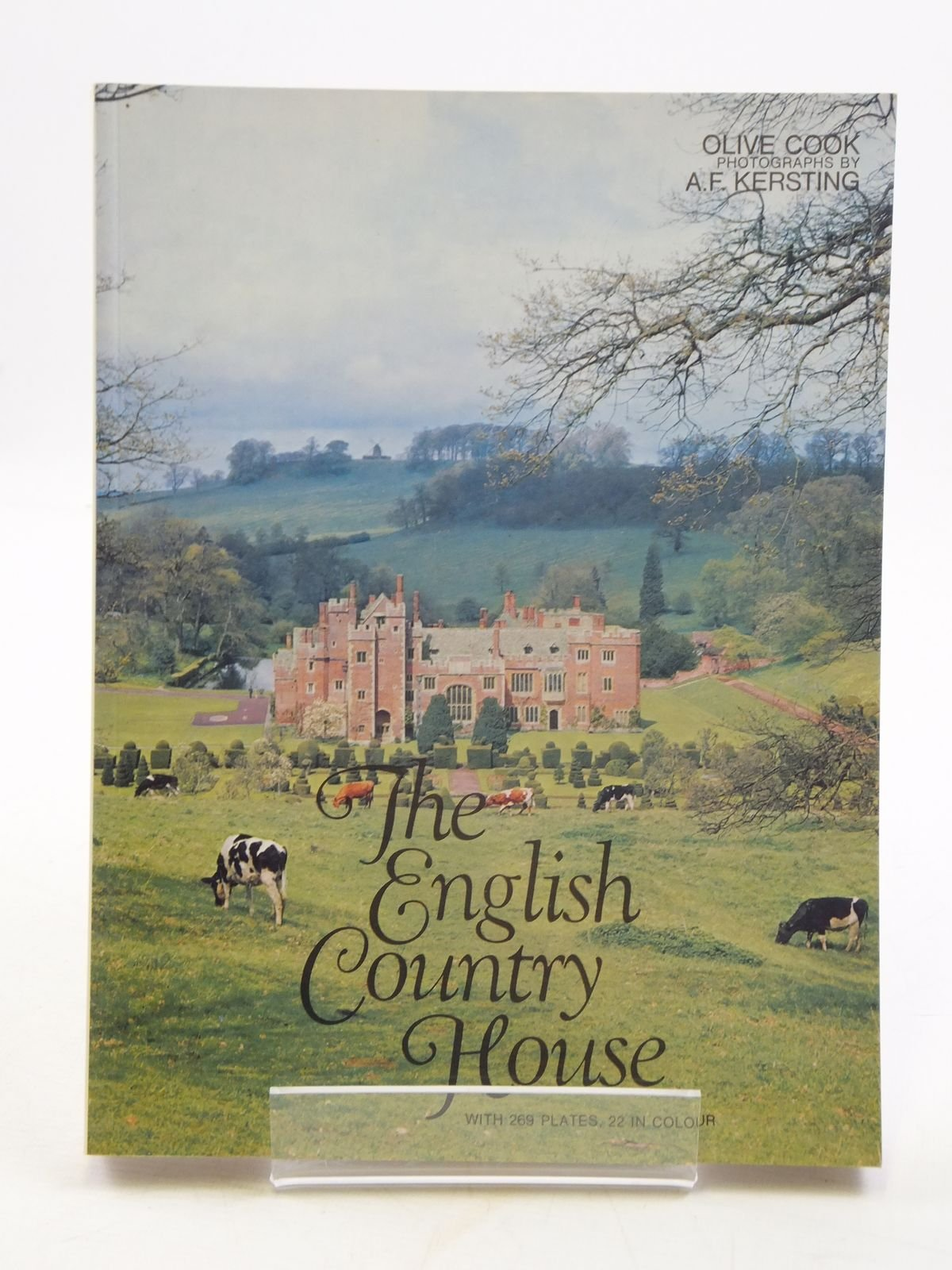 The English Country House An Art and a Way of Life Amazon.co.uk ...