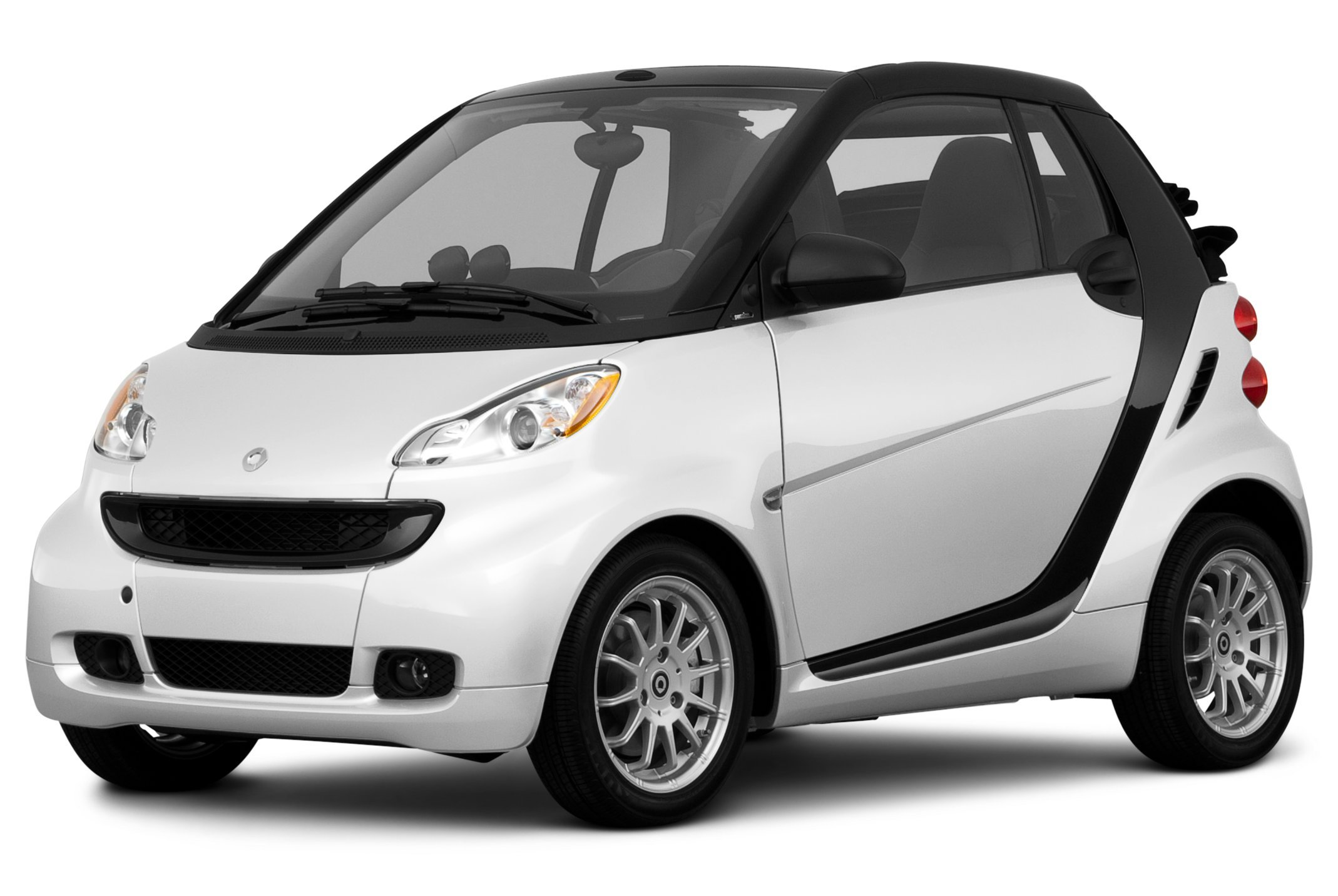2011 smart fortwo reviews images and specs vehicles. Black Bedroom Furniture Sets. Home Design Ideas