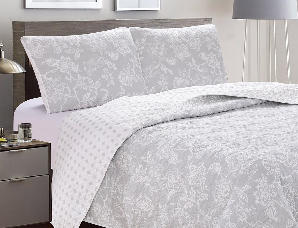 Great Bay Home 3-Piece Reversible Quilt Set with Shams. All-Season Bedspread with Floral Print Pattern in Contemporary Colors. Emma Collection By Brand. (King, Grey) by Great Bay Home (Image #4)