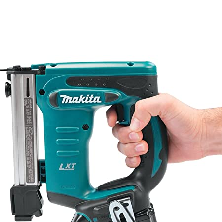 Makita XTS01Z 18V LXT Crown Stapler - Best Staple Gun Reviews