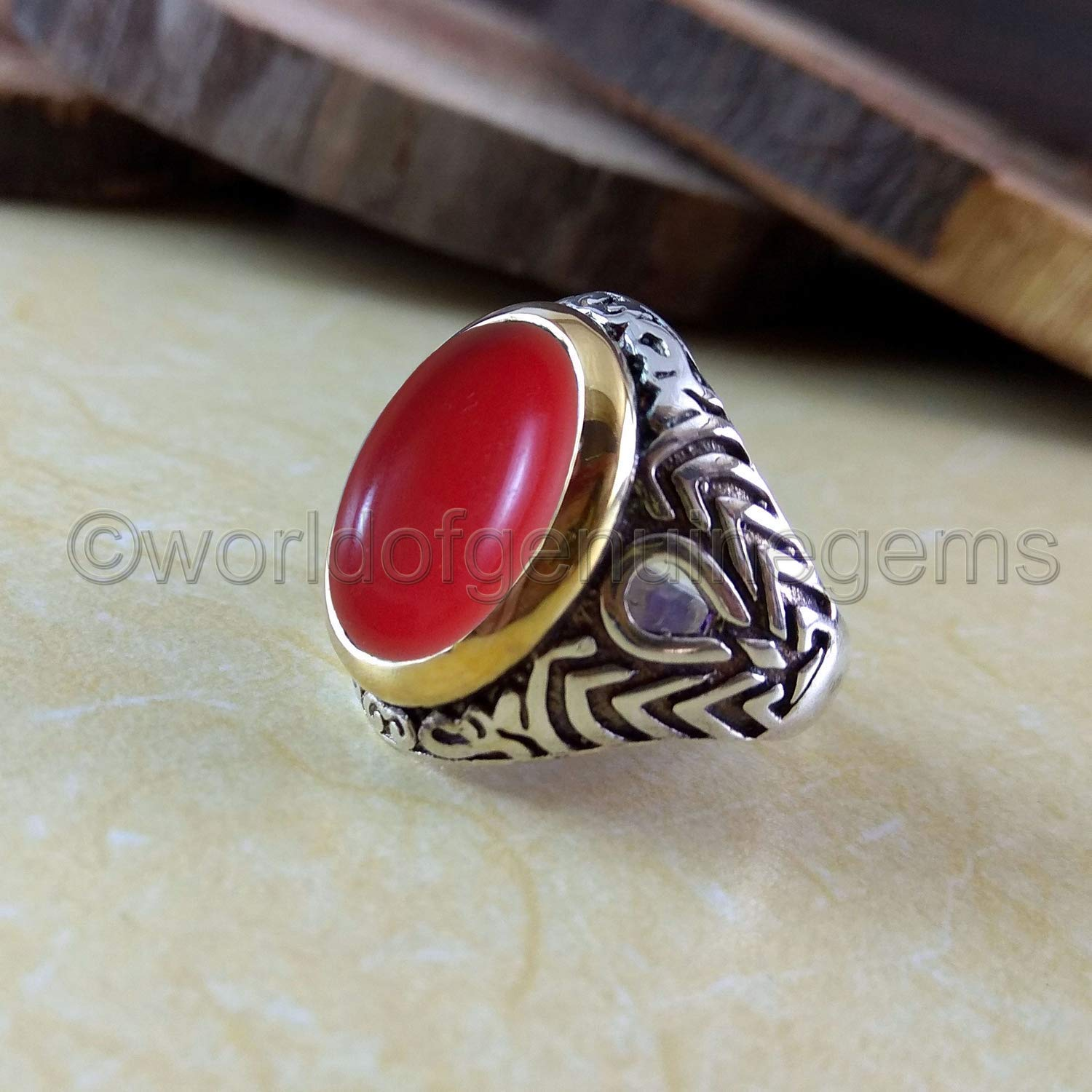 Coral ring in silver and zirconia