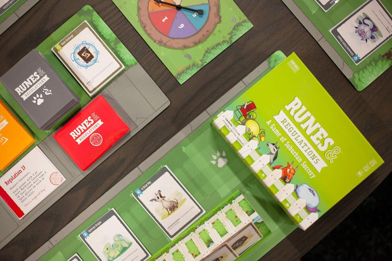 TeeTurtle TEE4409RRBSG1 - Rutas y regulaciones, color verde: Amazon.es: Juguetes y juegos