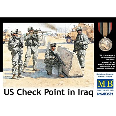 Master Box US Soldiers Check Point Iraq (4) Figure Model Building Kits (1:35 Scale): Toys & Games