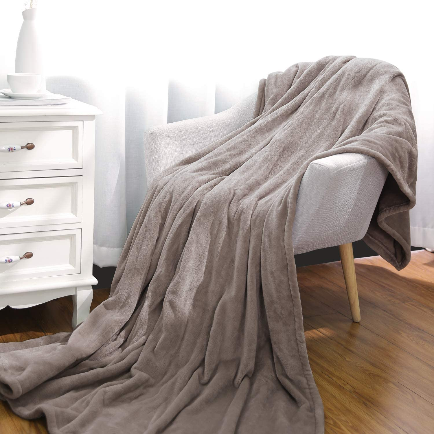 """Electric Blanket 72"""" x 84"""" Oversized Flannel Heated Throw, ETL Certification Fast Heating Blanket with 3 Heating Levels & 8 Hours Auto Off, Machine Washable"""