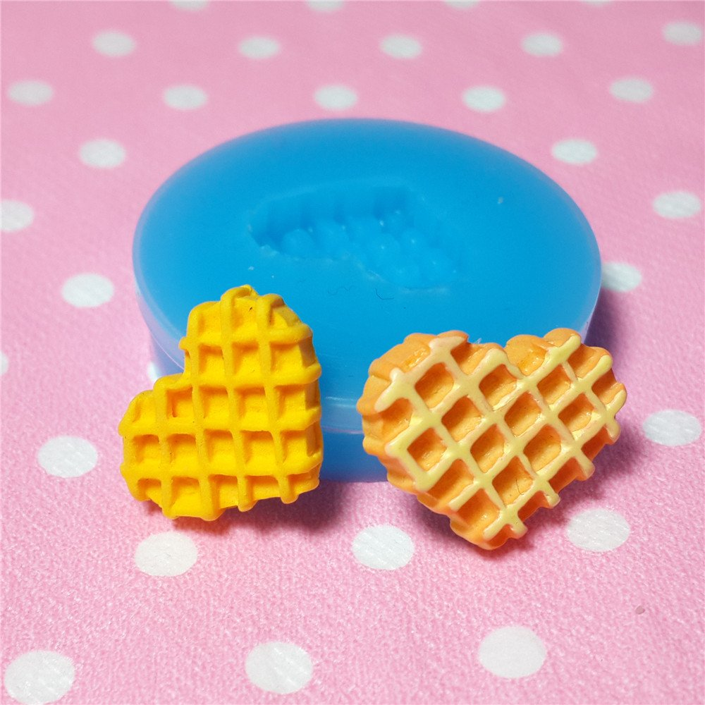 003LBQ Heart Waffle Silicone Mold Miniature Food Sweets Cupcake Jewelry Charms Clay Resin Wax Fondant