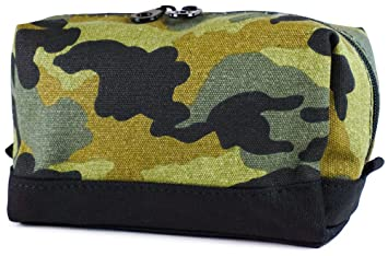 4c8d36b37ea Amazon.com  Ever Moda Green Camo Cosmetic Makeup Bag  Beauty