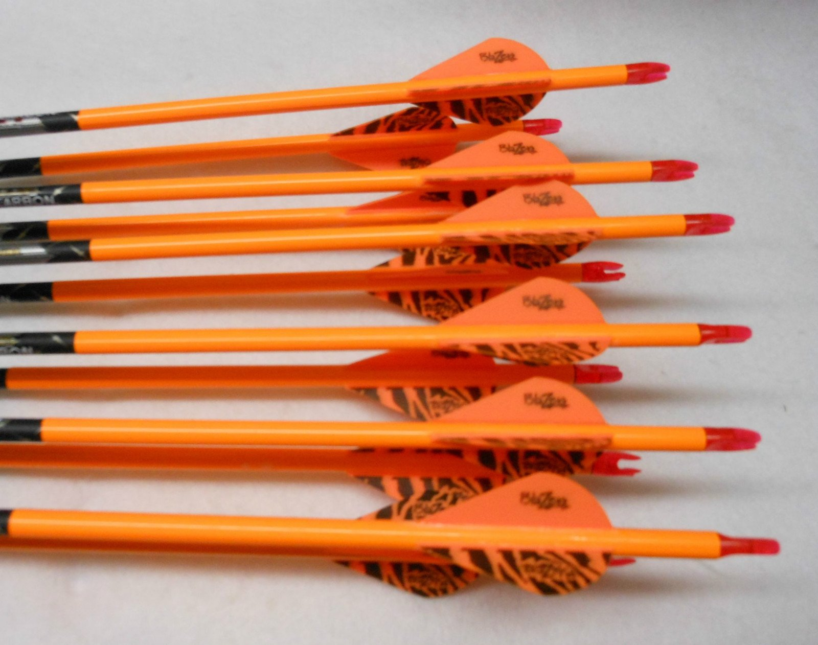 Gold Tip XT Hunter 5575/400 Carbon Arrows w/Blazer Vanes Wraps 1Dz.