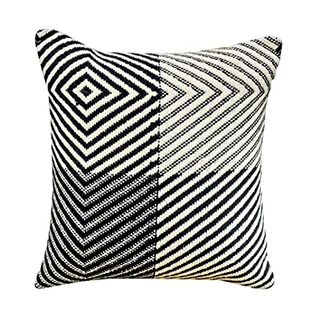 Excellent Amazon Com Yotreasure Geometric Decorative Throw Pillow Inzonedesignstudio Interior Chair Design Inzonedesignstudiocom