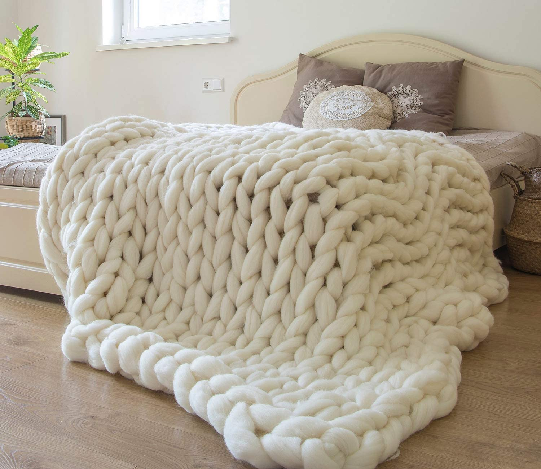 Chunky Knit Blanket Merino Wool Hand Made Throw Boho Bedroom Home Decor Giant Yarn,Milk White,47