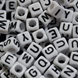 300 perles cubes carrées blanches lettres alphabet par Curtzy TM