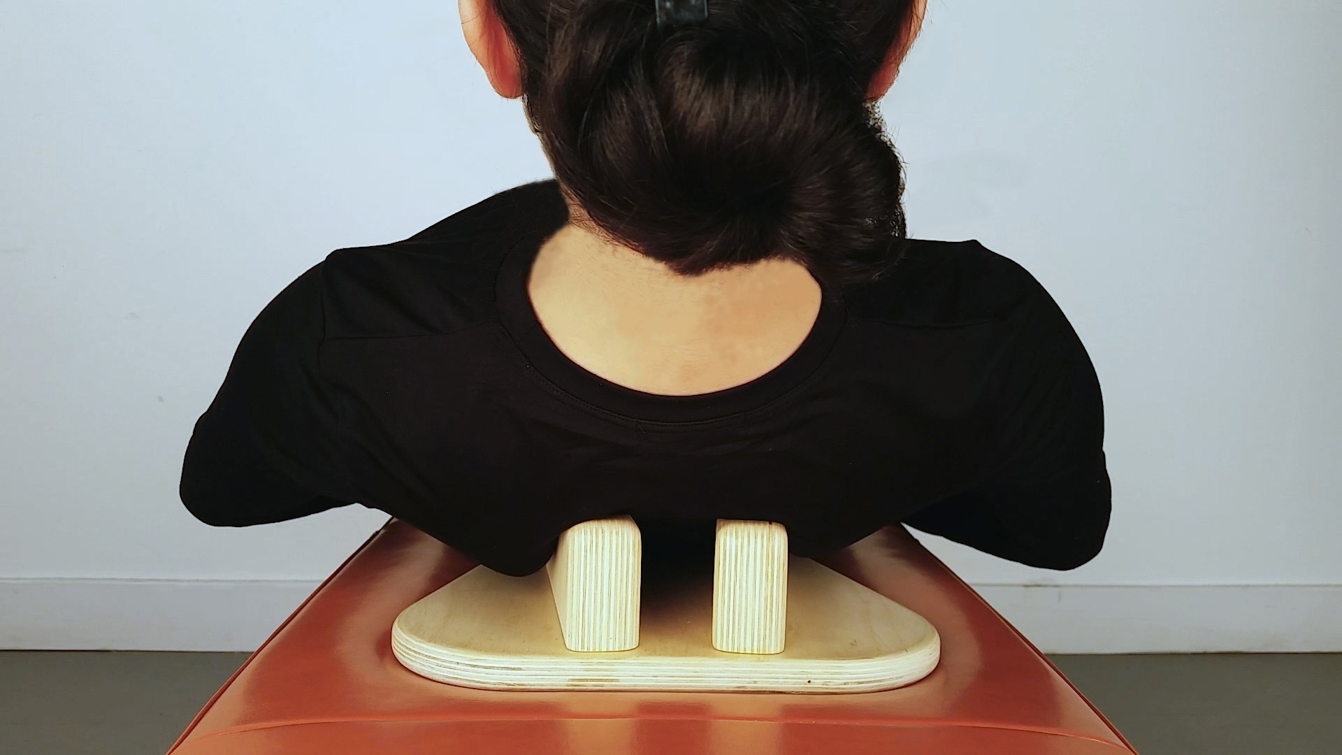 PurePosture: Helps Eliminate Back Pain, Improve Posture; Just Lay Down