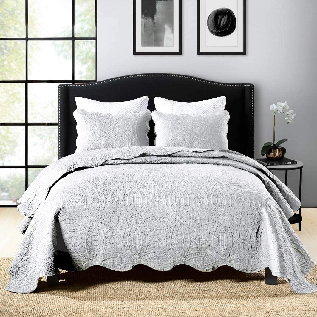 Jameswish 3pcs White Embroidery Stitched Quilt Set King Size Solid Greyish White Matelasse Embossed Soft Microfiber Bedspread Coverlet Chic Victorian Medallion Plain Color Bed Quilted Comforter Cover