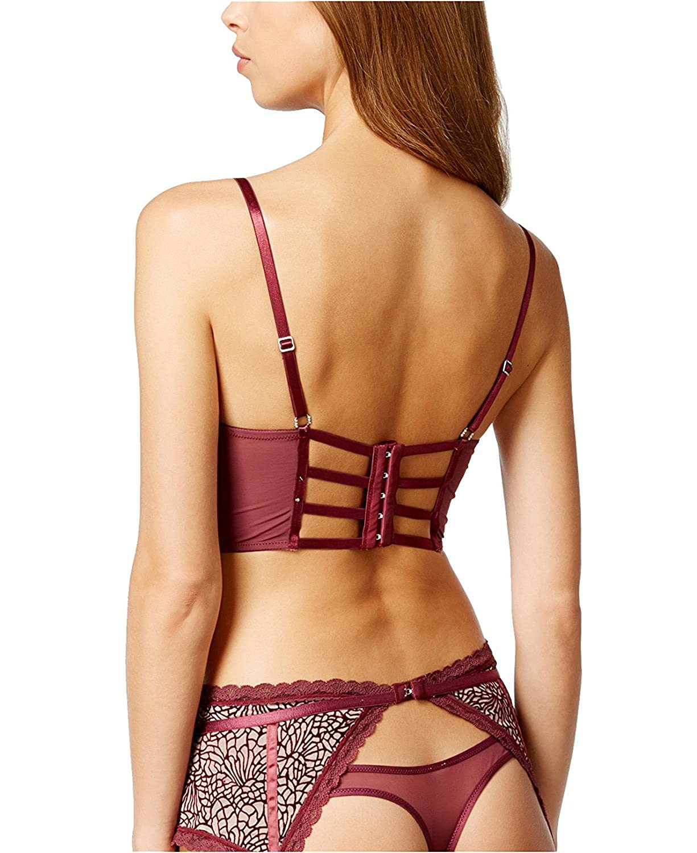 69ae4a799 Amazon.com  Maidenform Womens Flocked Mesh Garter Belt  Clothing
