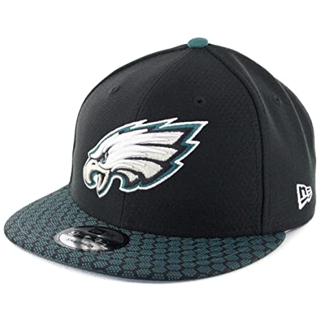1efa1642daa Amazon.com   New Era 950 Philadelphia Eagles Onfield 2017