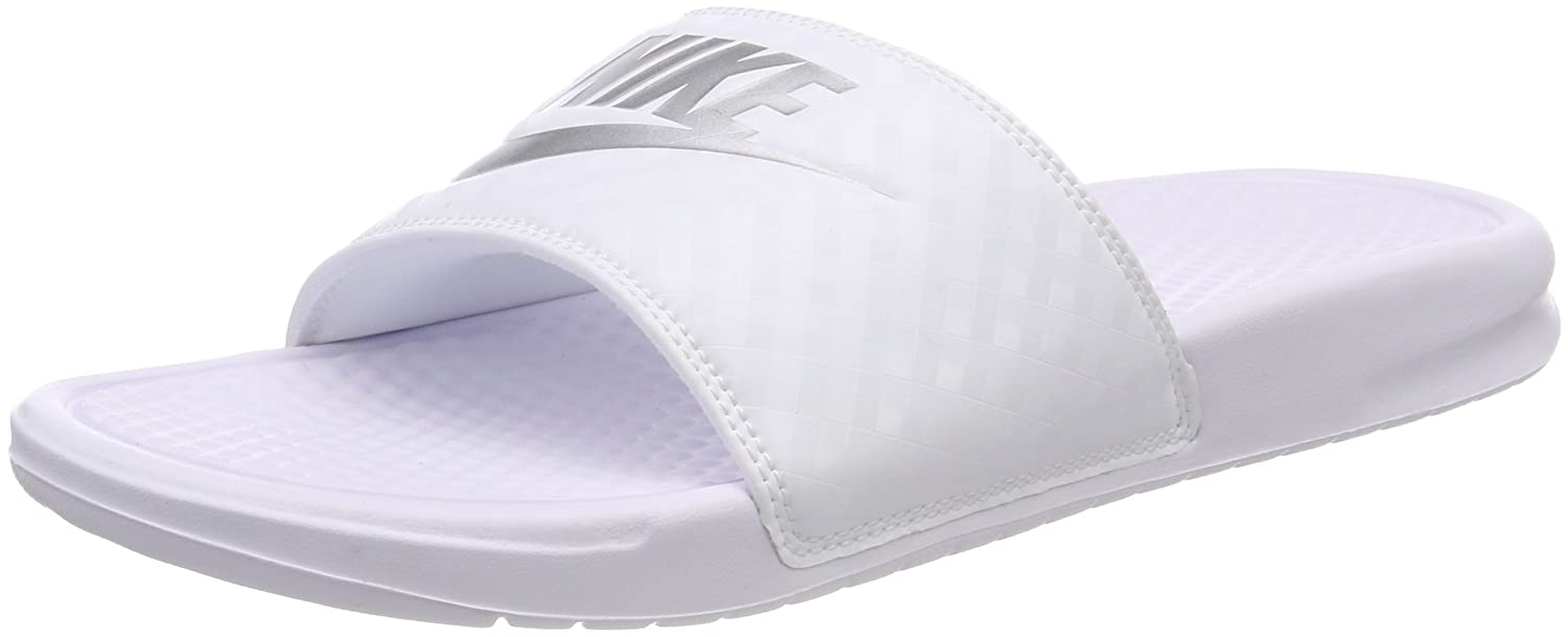 new styles 622df 2df9c Amazon.com   Nike Women s Benassi Just Do It Sandal   Shoes