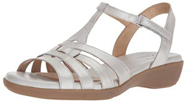 3d05169d945 Amazon.com  Naturalizer Women s Nanci Flat Sandal  Shoes