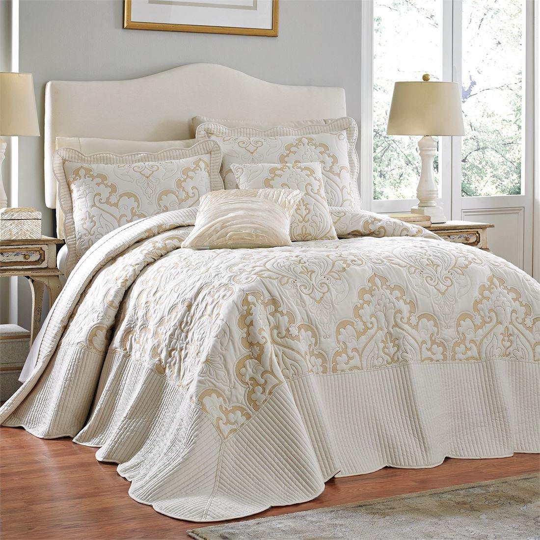BrylaneHome Amelia Bedspread (Ivory,Twin)