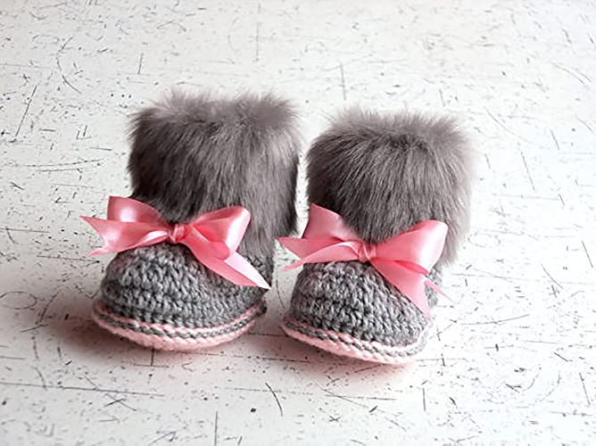 Faux fur baby girl Booties - Gray and pink Newborn winter Boots - Crochet Toddler slippers