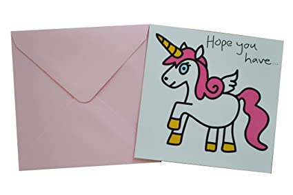 Bonita tarjeta de cumpleaños de unicornio. Sobre rosa ...