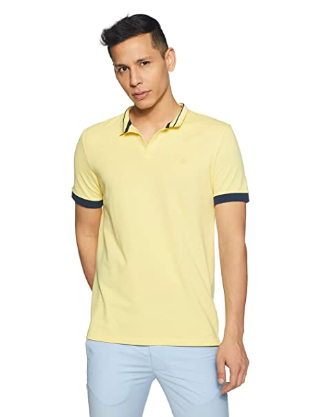 39b73e99849 United Colors of Benetton Men s Solid Regular Fit Polo  Amazon.in  Clothing    Accessories