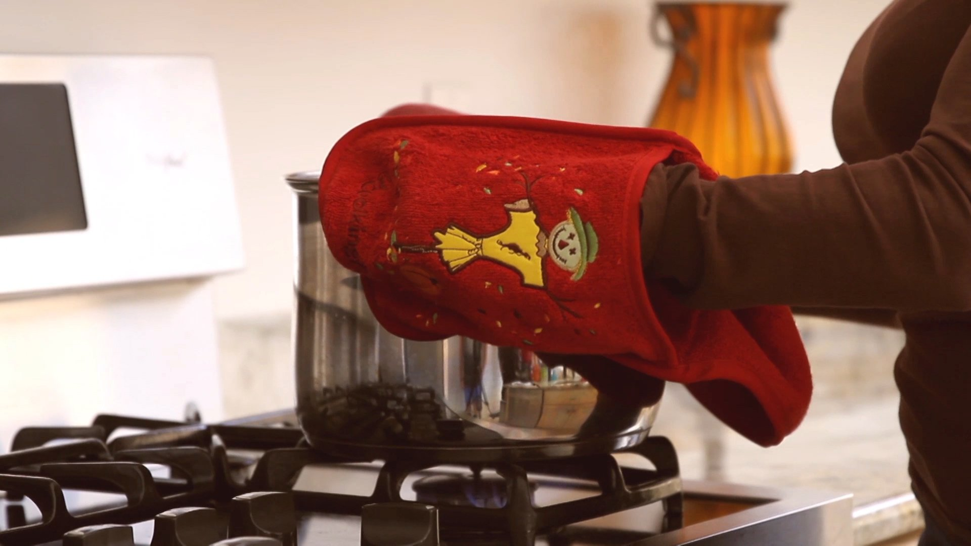 Campanelli's Cooking Buddy - Professional Grade All-In-One Pot Holder, Hand Towel, Lid Grip, Tool Caddy, and Trivet. Heat Resistant up to 500ºF! As Seen On QVC. (Limited Edition: Harvest Brown) by Campanelli Products (Image #4)