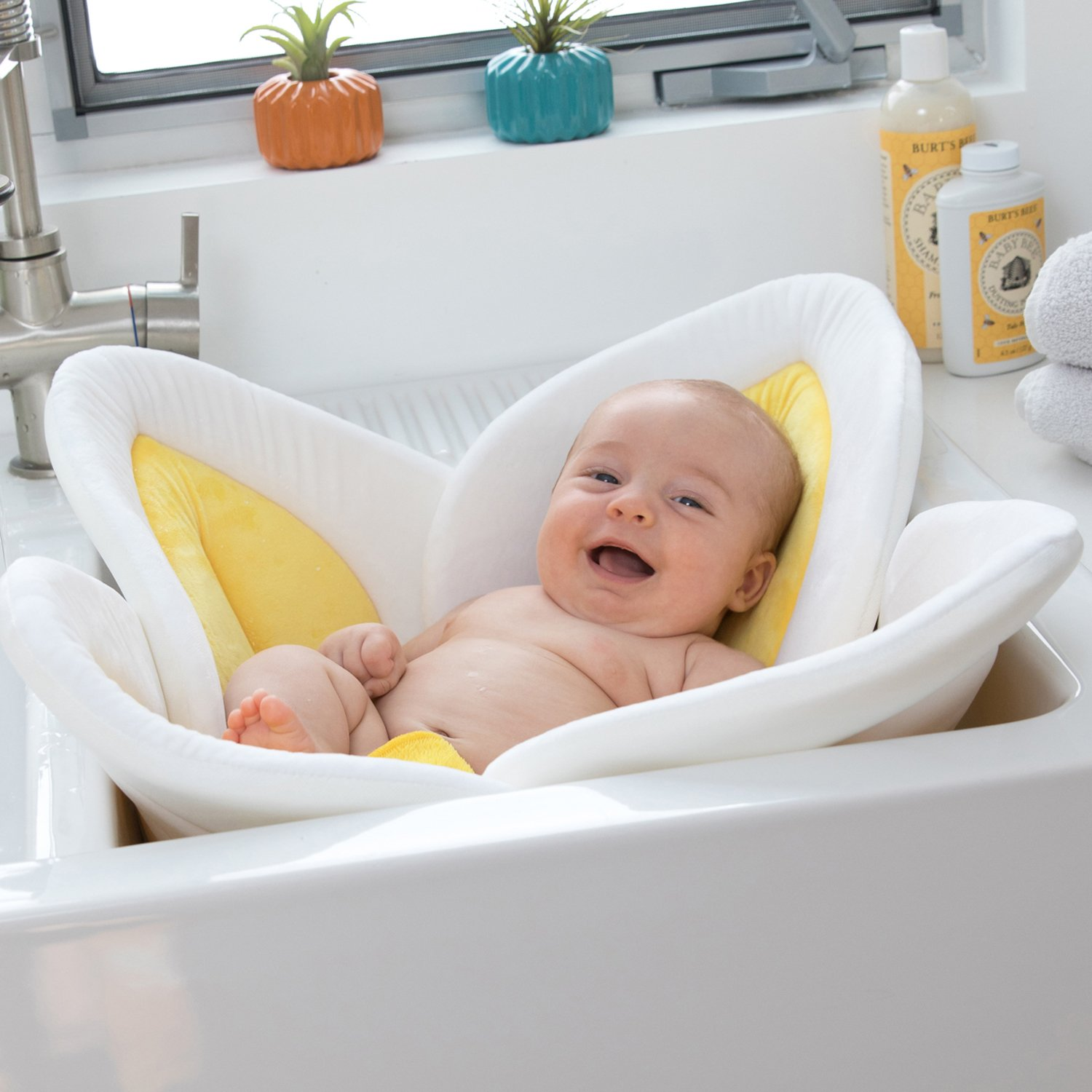 Amazon.com : Blooming Bath Lotus - Baby Bath (Yellow) : Baby