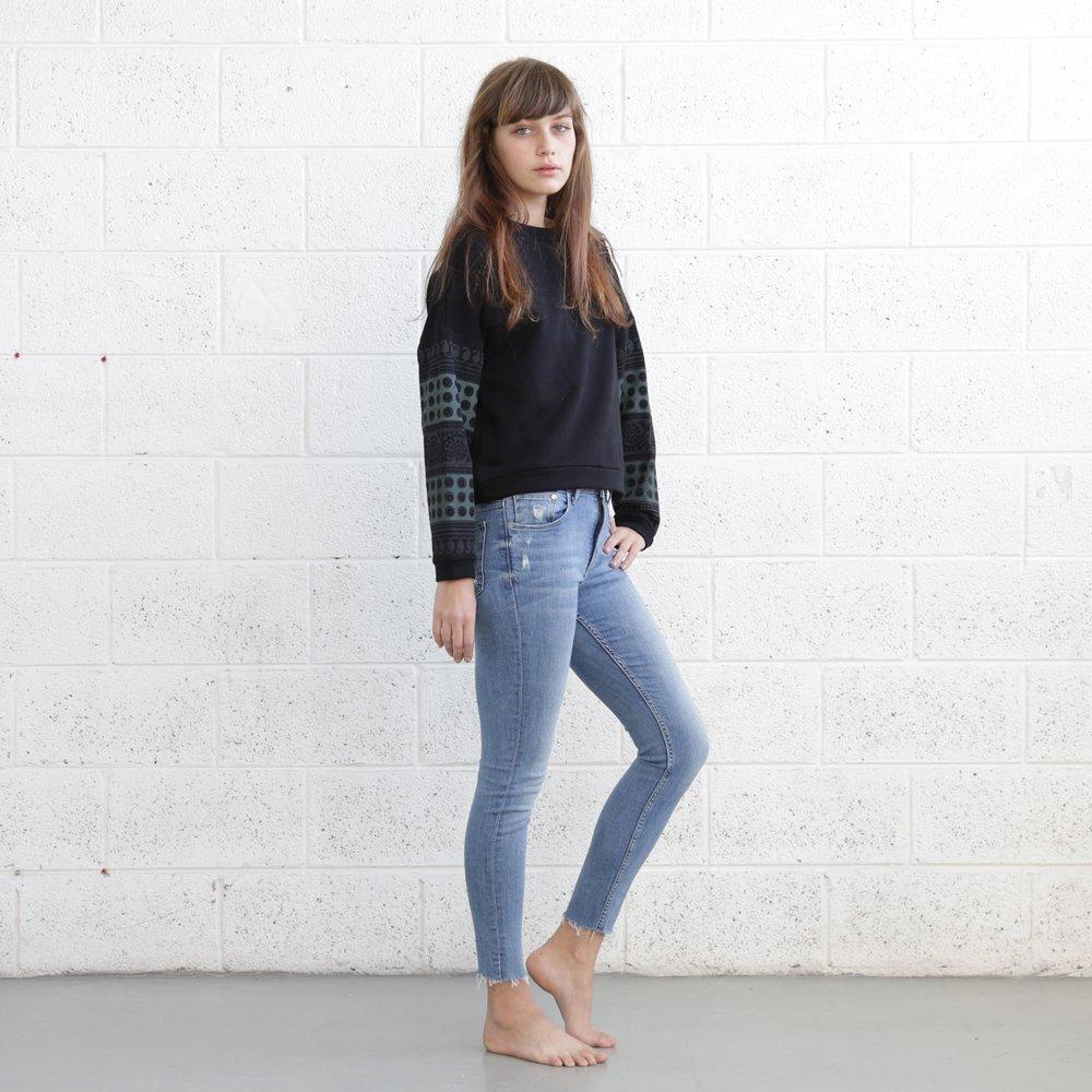 Printed Loose Long Sleeve Casual Pullover , O-Neck Pullovers Sweatshirt Women - Black.