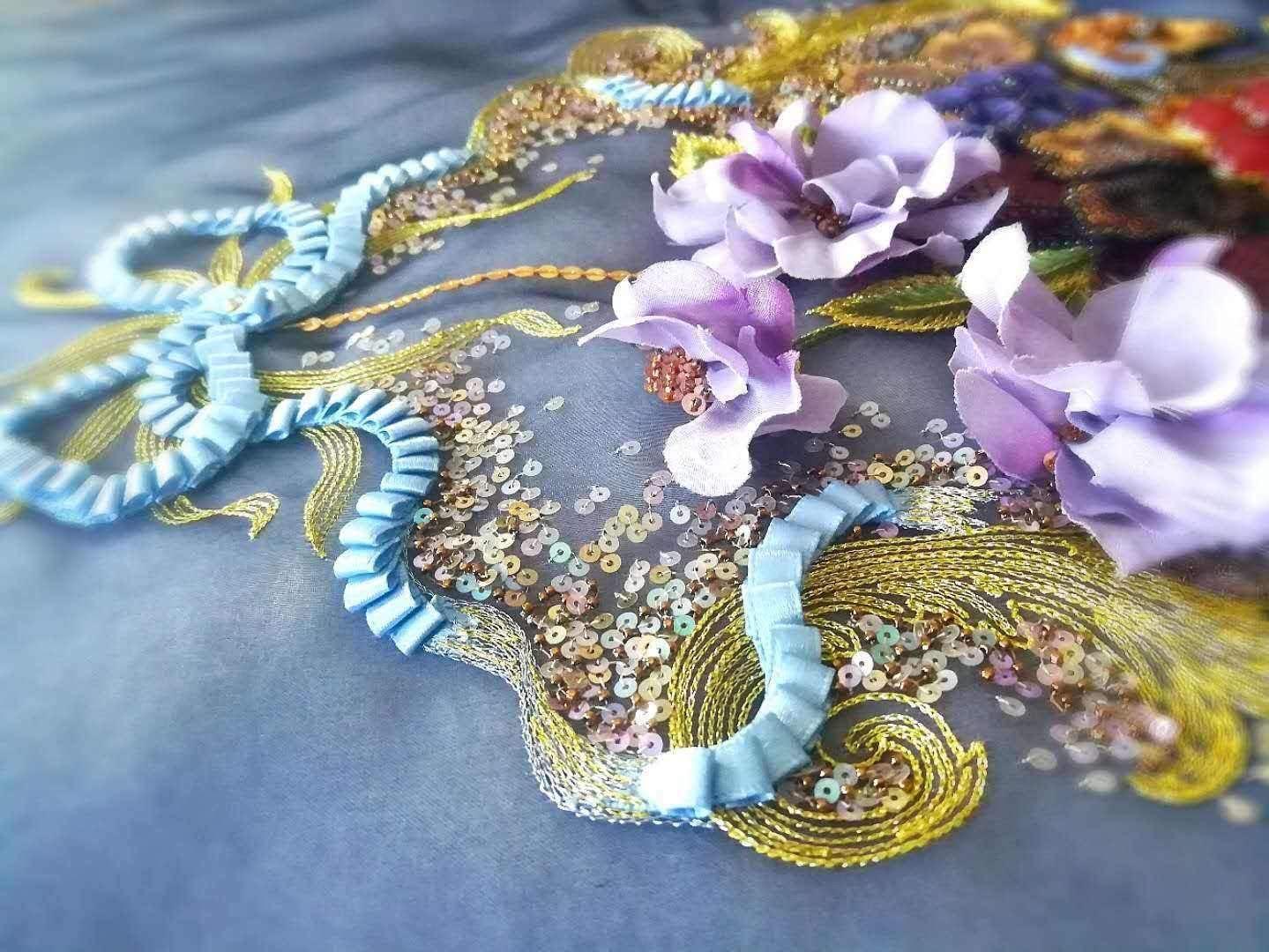 Needle-woven Flavie bracelet spiraled with Matubo superduo beads and Miyuki D\u00e9licas greenbluebronze primers without nickel
