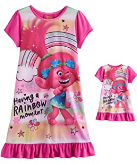 43230197 DreamWorks Trolls Poppy Girls Having a Rainbow Moment Nightgown and Doll  Set, Sizes 4-