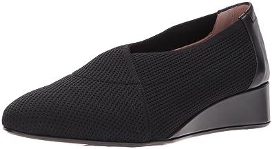 5f940060d99c6 Amazon.com: Taryn Rose Women's Celeste Pump: Shoes