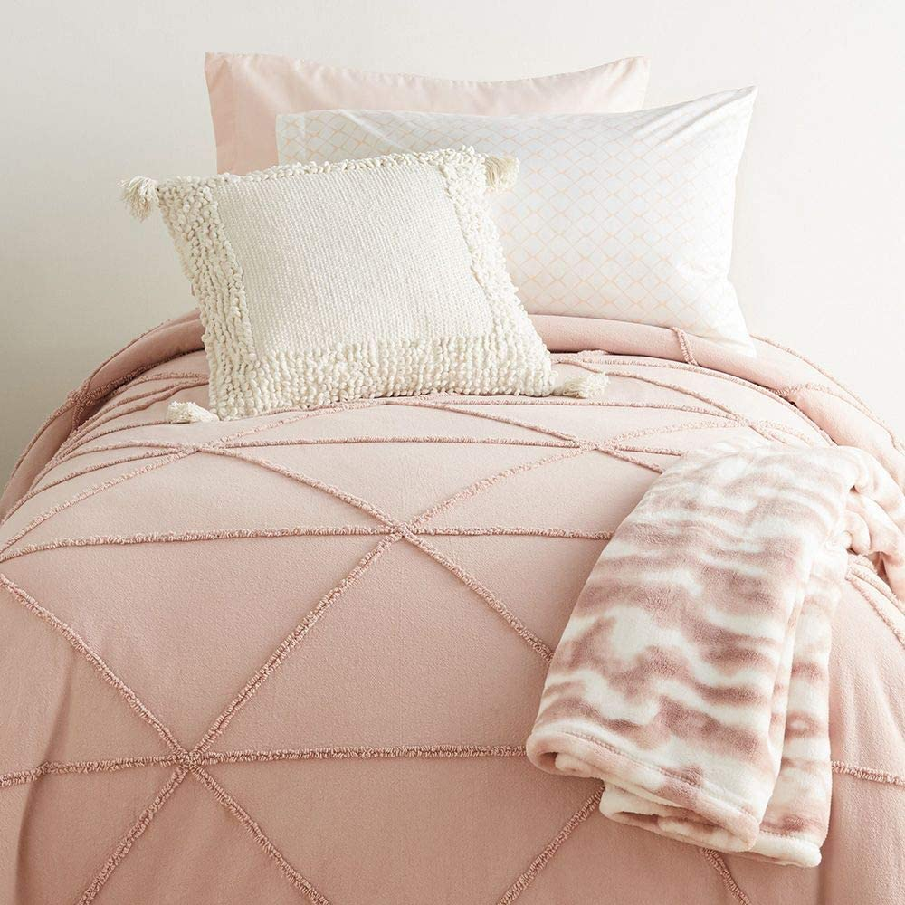 OCM Twin//Twin XL Comforter in Ashleigh Pink a Ribbed Comforter in Soft Blush Pink