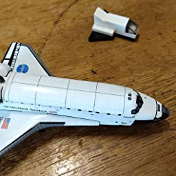 Amazon Com Daron Postage Stamp Space Shuttle Discovery Vehicle 1 300 Scale Toys Games