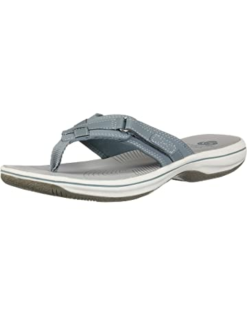 54f11e4a7774 Clarks Women s Breeze Sea Flip-Flop