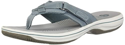 c2e219a1334 Clarks Women s Breeze Sea Flip-Flop  Amazon.ca  Shoes   Handbags