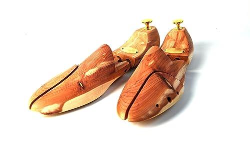 Hormas de zapato y pernitos originales de Zederello en madera de cedro, tensor para el