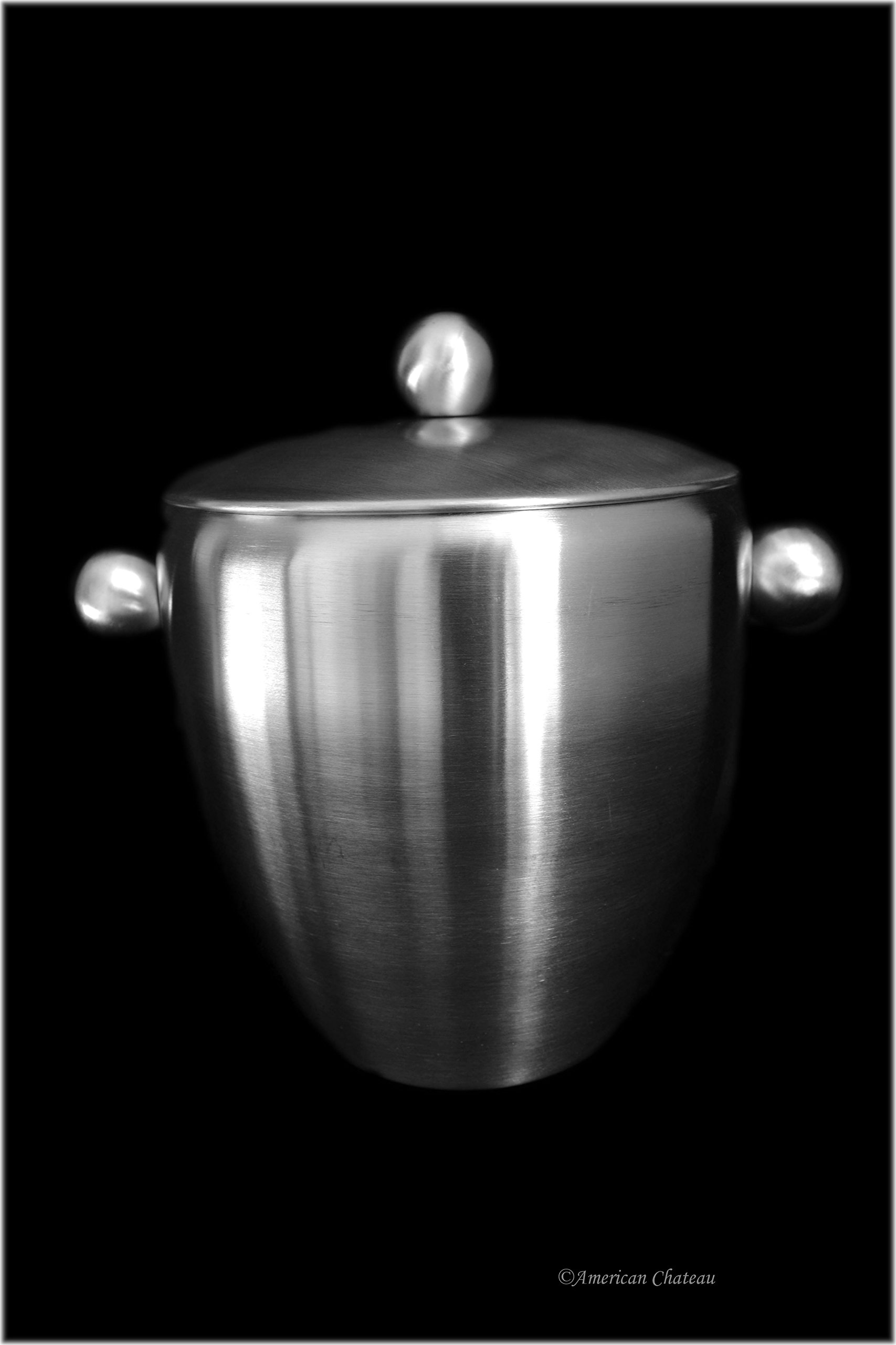 Hotel-Style Bar Satin Finish Metal Stainless Steel Ice Bucket With Lid