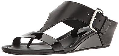 fdd538e4bde Amazon.com  Donald J Pliner Women s Doli4 Wedge Sandal  Shoes