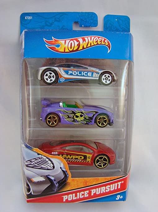 Amazon Com Hot Wheels Police Pursuit 3 Car Pack Speed Trap