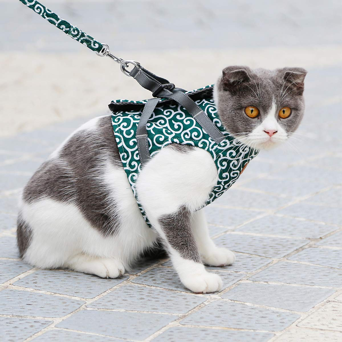 ubest Escape Proof Cat Harness and Lead Set Green Soft Breathable Vest Harness for Cats kitten Small