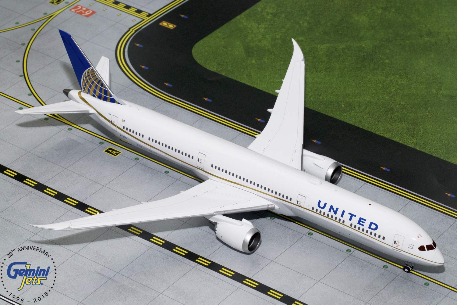 GeminiJets Gemini200 United Airlines B787-10 Dreamliner 1:200 Scale Diecast Model Airplane