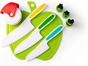 Yum Nosh Kids Cutting Board and Knife Set, Non-Slip Grips for Safety, Plastic, 3 Colors and Sizes, Apple Design with Juice Groove, Complete with Pastry Cutter and 3 Children's Food Cutter Shapes