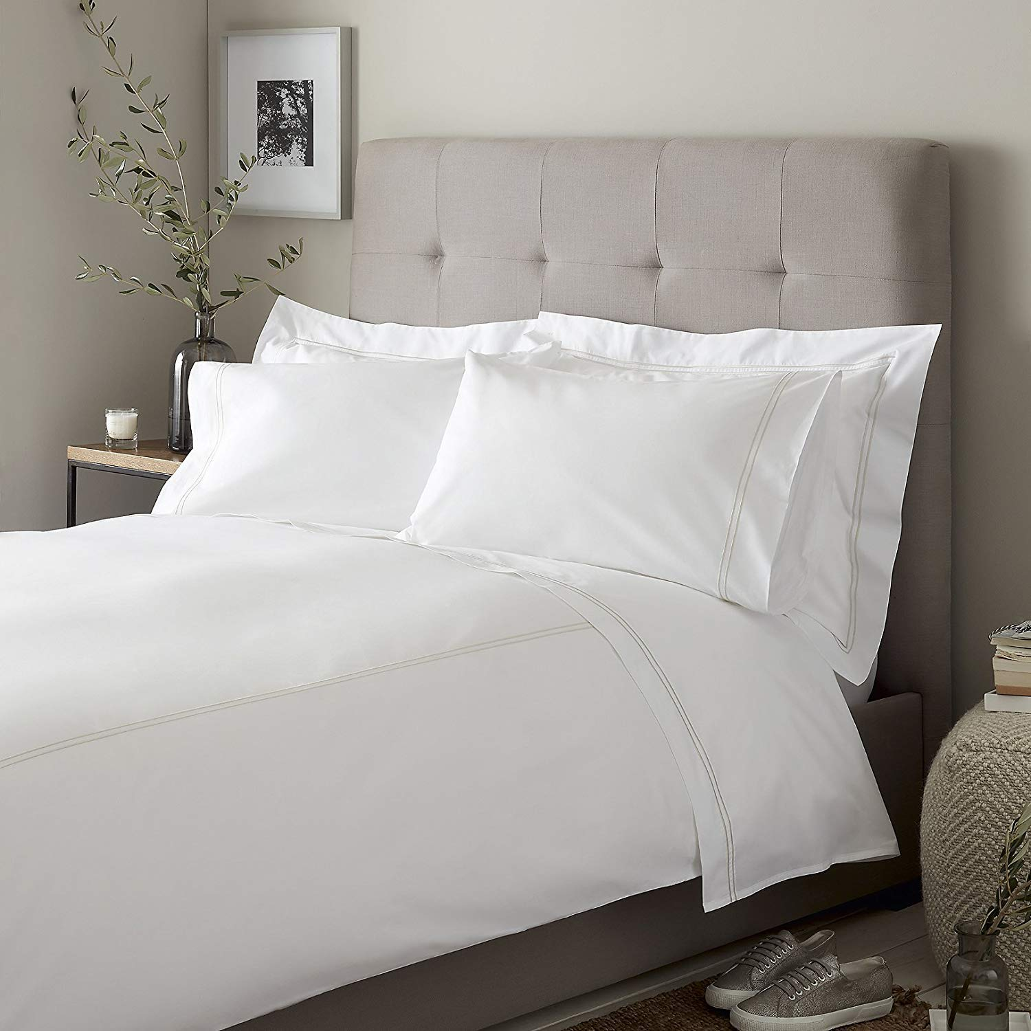 Solid Pattern Lussona Luxurious 1000 Thread Count Italian Finish 100/% Egyptian Cotton 4-Piece Bed Sheet Set . Fits Mattress Up to 19 inches Deep Pocket Color - Ivory, Size - Queen