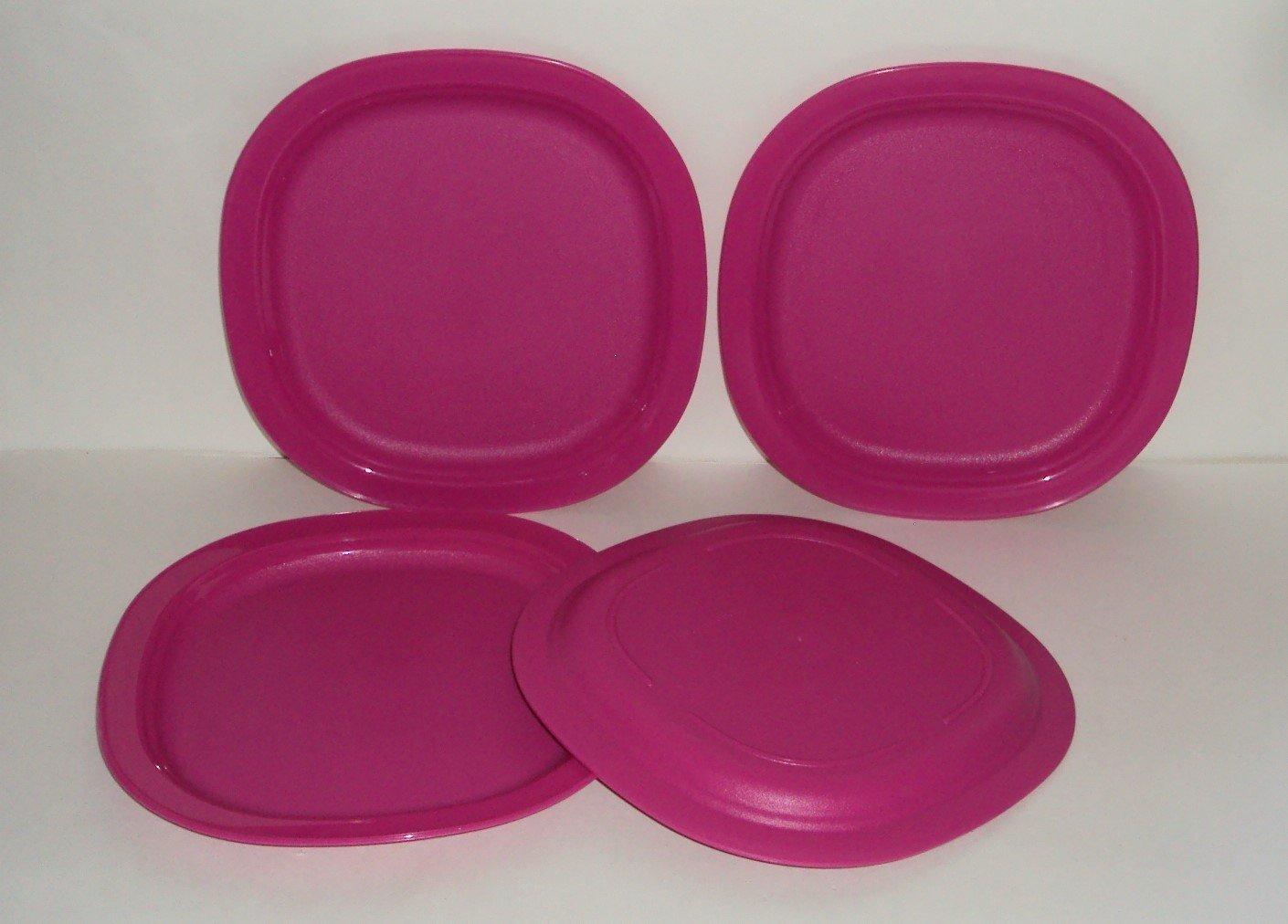 Tupperware Set of 4 Open House Microwave 7 3/4 Inch Dessert Plates Fuchsia Pink by Tupperware (Image #1)