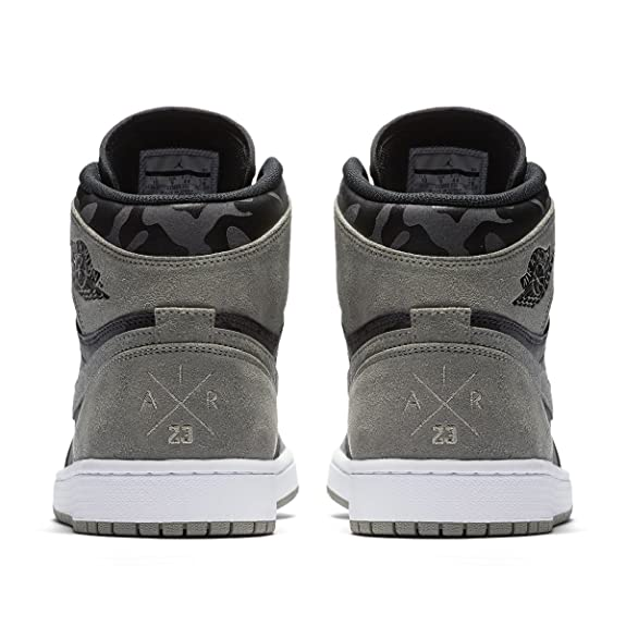 a5e95271977 Amazon.com | Jordan Air 1 Retro Men's High Premium Black AA3993-034 (Size:  13) | Basketball