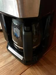 Black And Decker Coffee Maker Carafe Leaks : Amazon.com: Black & Decker CM5000B 12-Cup Mill and Brew Coffeemaker, Black: Kitchen & Dining