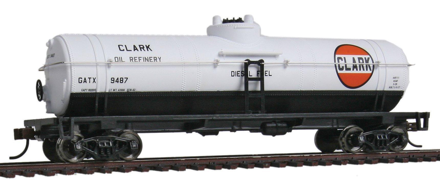 Walthers Trainline 40' Tank Car - Ready to Run Clark Oil GATX 9487