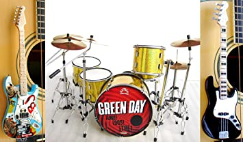Amazon Com Green Day Miniature Guitar And Drums Set Of 3 Musical